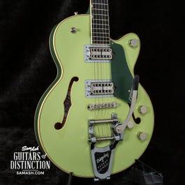 Gretsch G6659T Players Ed. Broadkaster Jr. Semi-Hollow Electric Guitar Two-Tone Smoke Green