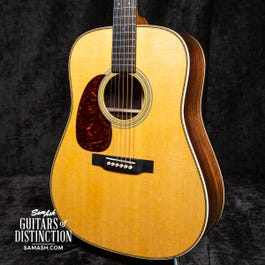 Martin HD-28 Dreadnought Left-Handed Acoustic Guitar