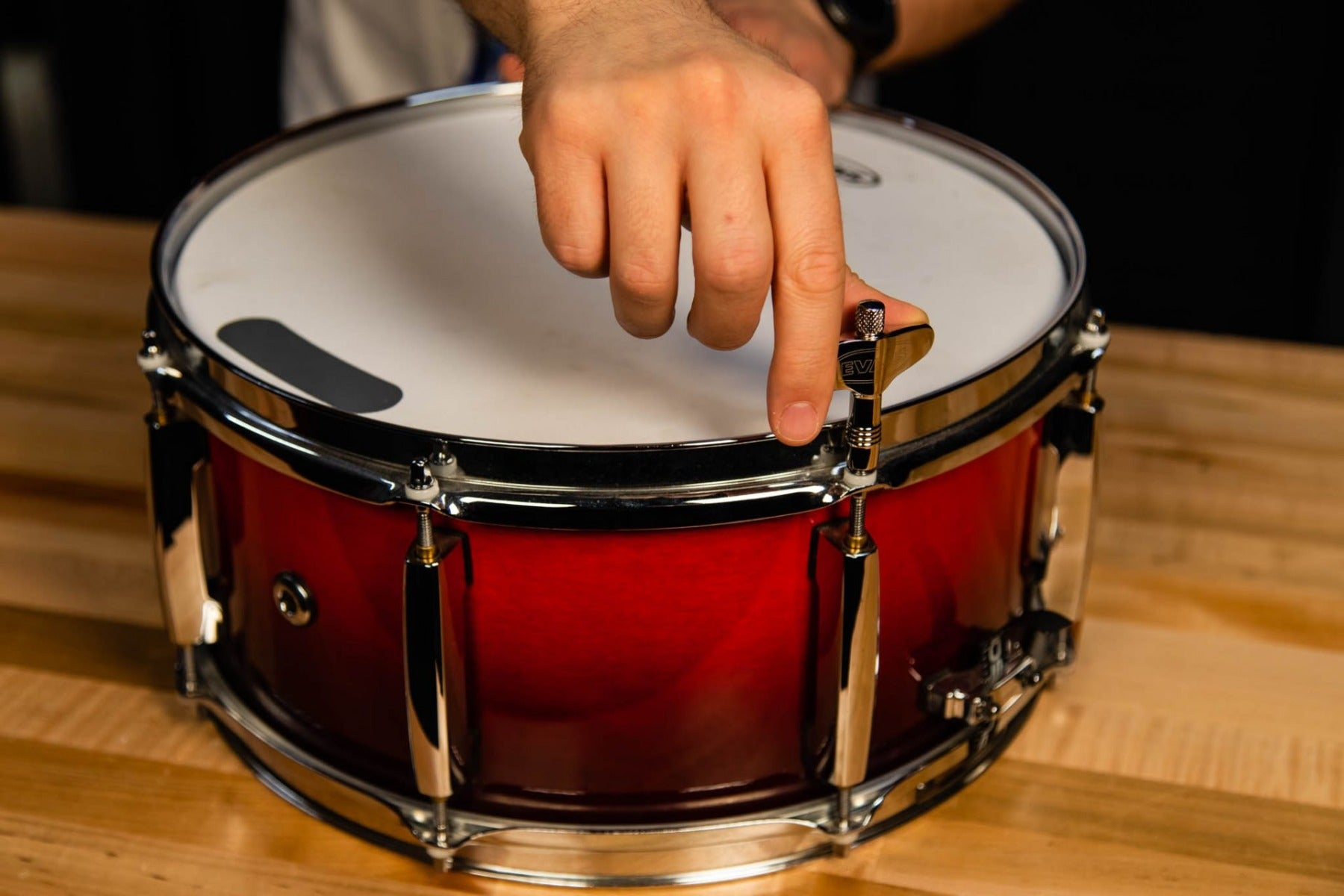 snare drum with drum key