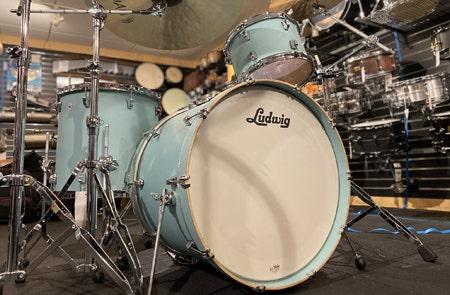 0% Interest For 40 Months On Acoustic Drums at SamAsh.com