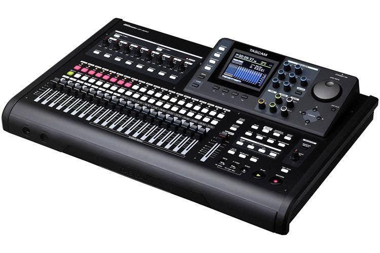 Tascam DP-32SD 32-Track Digital Portastudio (New)